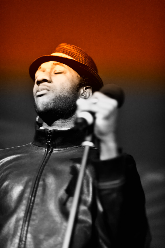 Aloe Blacc and Maya Jupiter live
